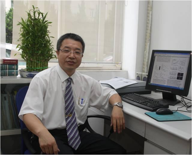 上海市肿瘤研究所研究员李锦军照片