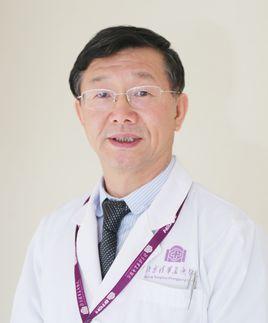 清华大学附属北京清华长庚医院消化中心主任姜泊照片