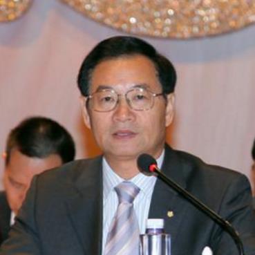 广州民航职业技术学院院长吴万敏照片