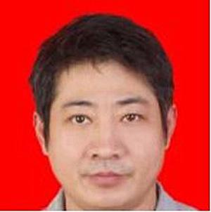 深圳市第二人民医院整形美容科主任医师范锟鋙照片