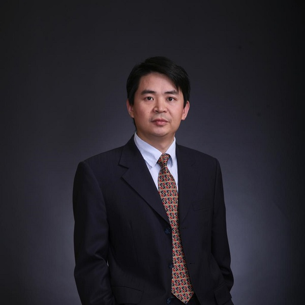 中关村储能产业技术联盟理事长俞振华照片