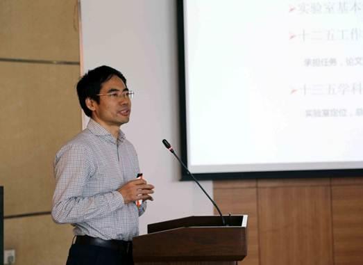中国科学院上海硅酸盐研究所研究员王士维照片