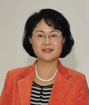 中南大学湘雅二医院教授丁依玲照片