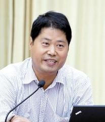 清华大学环境系统分析教研所副教授贾海峰照片