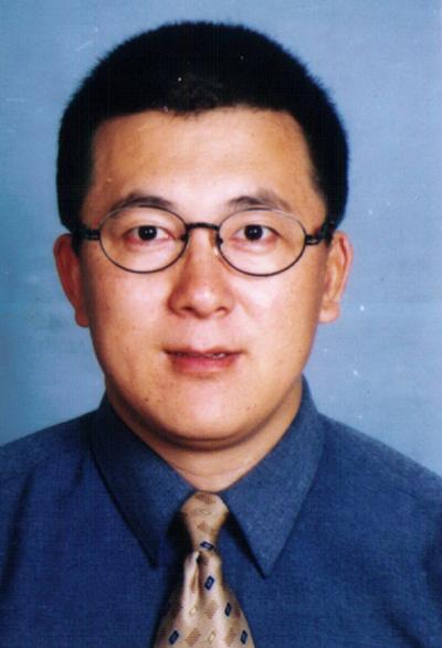 南京理工大学电子工程与光电技术学院院长柏连发照片