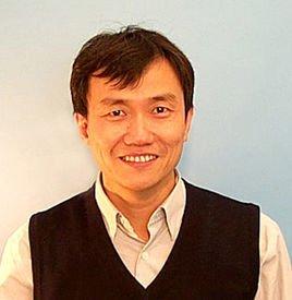 浙江大学信息与电子工程学院教授金晓峰照片