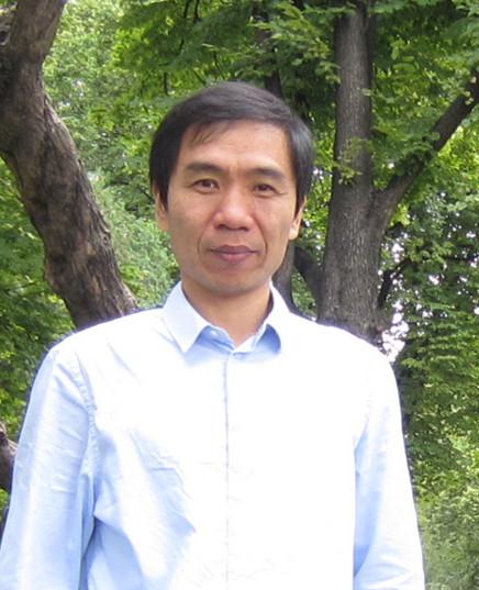 中国海洋大学医药学院天然药物化学研究室 教授赵峡照片