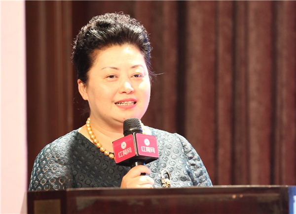 重庆餐饮行业协会会长刘英照片
