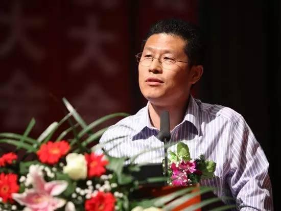 中国圆桌会秘书长王国文