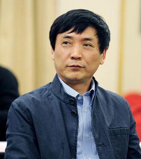 北京大学教授曹文轩