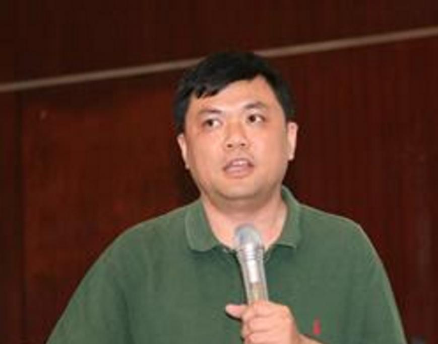 清华大学电子工程系教授周世东