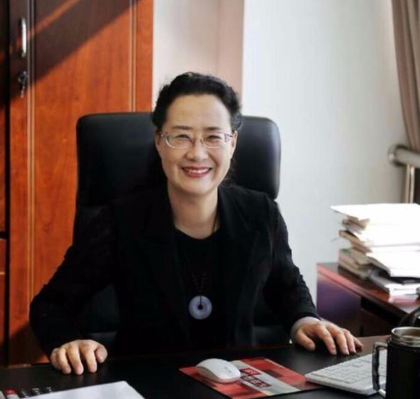 内蒙古自治区小学语文教研员杨华照片
