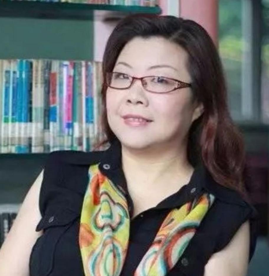 重庆市小学语文教研员张咏梅照片