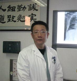 北京朝陽醫院京西院區副主任醫師曹志新照片