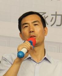 卫生计生委规划与信息司副司长张峰照片