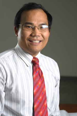 中科院宁波工研院材料技术与工程研究所所长朱锦照片