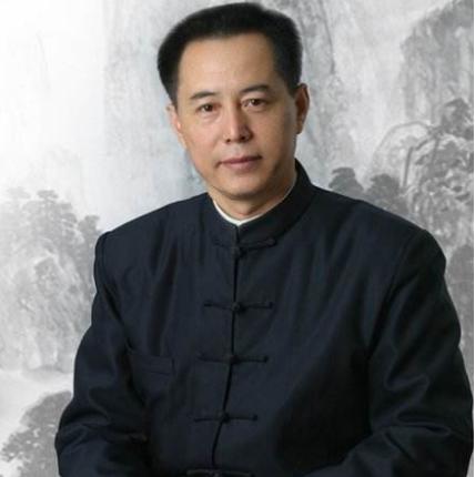 世界健康产业协会 主席陈学忠照片