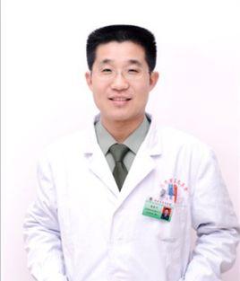 北京军区总医院美容整形中心副主任医师赵志力照片