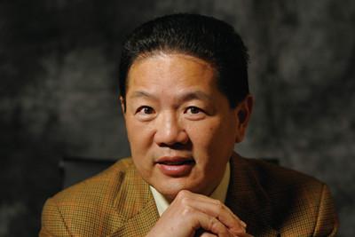 香港黑暗中对话创始人张瑞霖照片