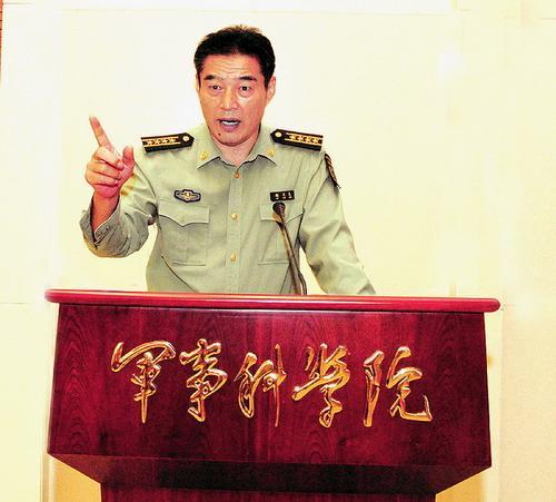 军事学术社原社长胡文龙照片