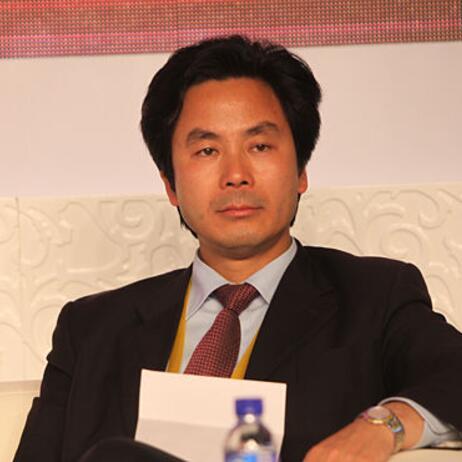 铜锣湾集团董事局主席陈智照片