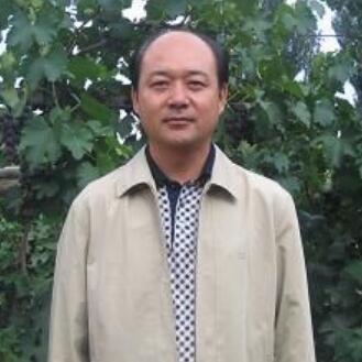 内蒙古汉森酒业集团有限公司董事长撖建平
