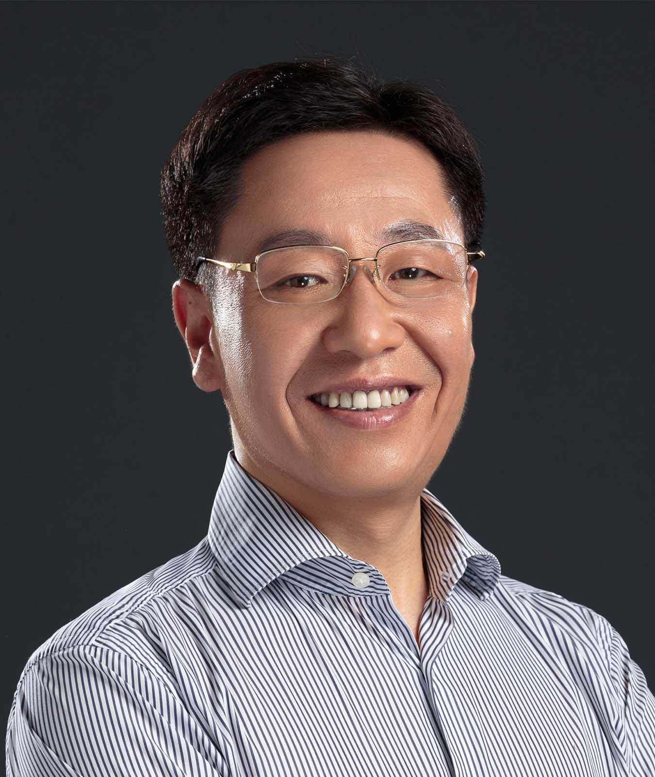 首创财富董事杨本军照片