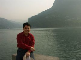 香港中文大学心理学博士江光荣