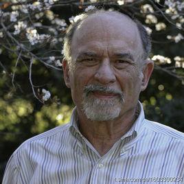 斯坦福大学精神病学终身荣誉教授欧文.亚隆