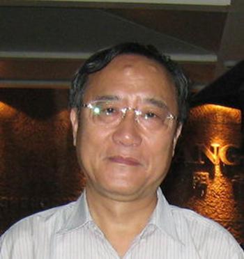 中华中医药学会推拿分会名誉主任委员严隽陶