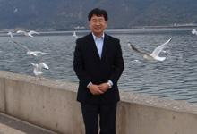 上海科技大学副校长鲁雄刚照片