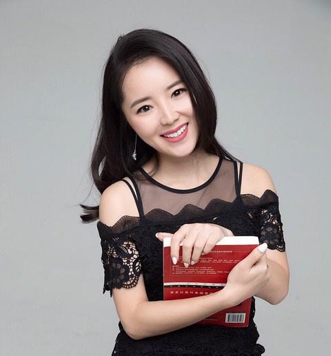 中南文化内容副总裁吴凤未照片