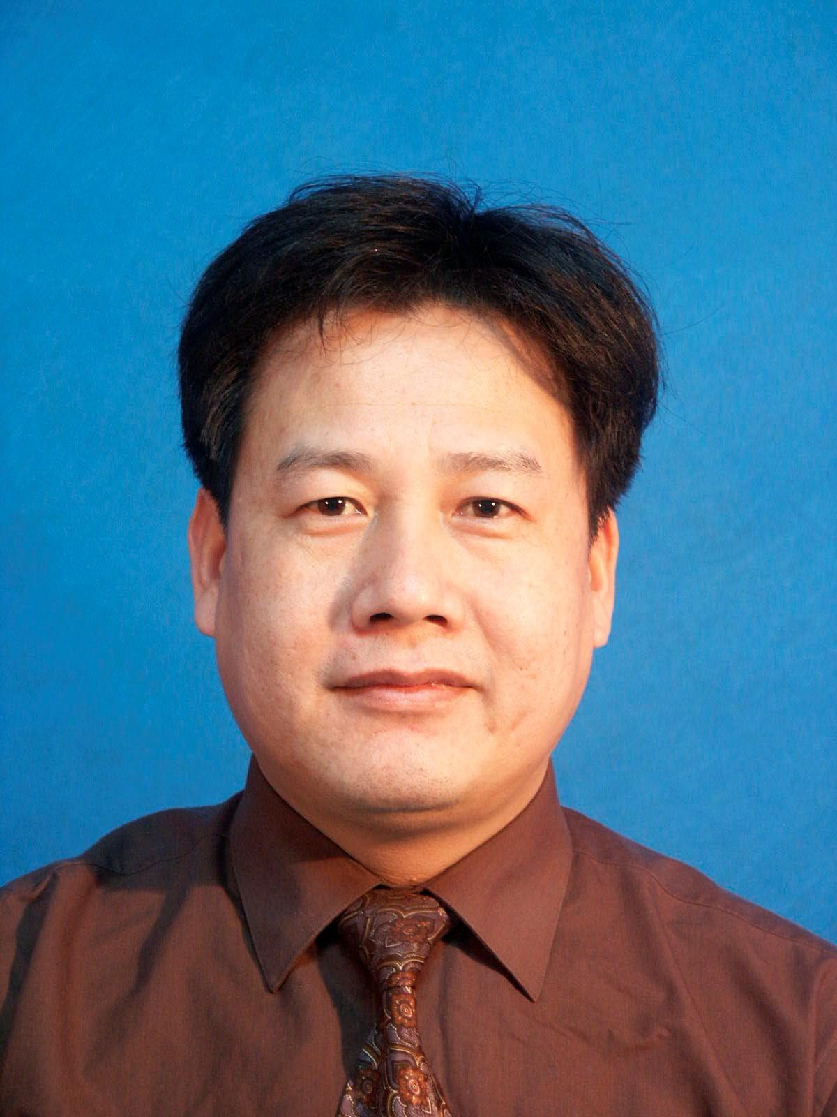 青岛大学附属医院妇产科主任叶元华照片