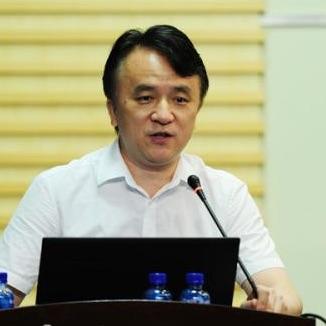 中南大学湘雅二医院主任医师何庆南照片