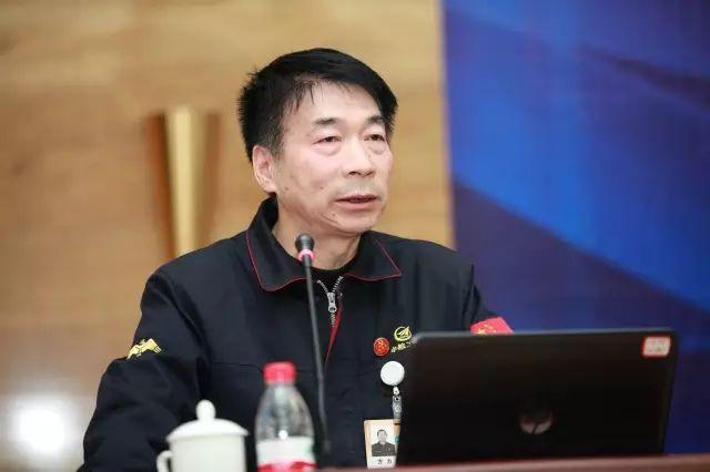 中航工业西安飞机工业有限责任公司副总工程师杨国荣照片