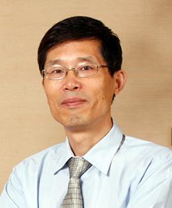 上海市儿科医学研究所主任医师顾学范照片