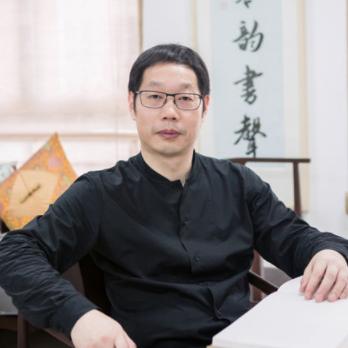 亚厦控股有限公司董事王震照片