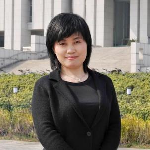 东南大学外国语学院院长陈美华照片