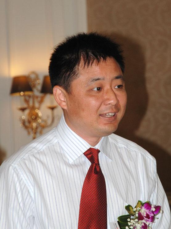 广东省电源行业协会会长秦汉军照片