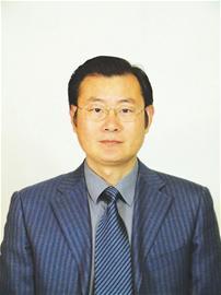 湖北省生物农药工程研究中心 主任杨自文照片