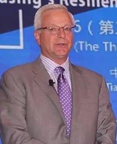 美国通用电气(GE)金融-医疗设备金融服务公司 总裁JAMES J•AMBROSE照片