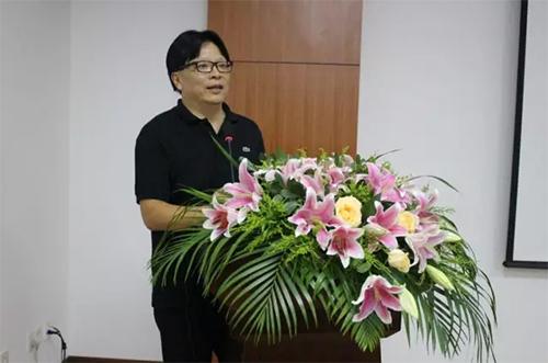 上海和平眼科医院总经理柏承亮照片