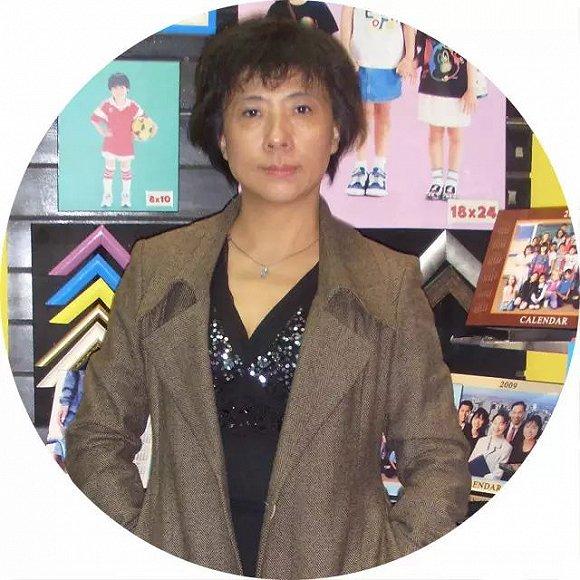北京青年报深度报道资深记者张倩照片