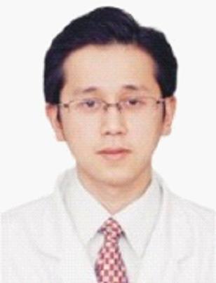 重庆医科大学附属口腔医院种植科副主任医师黄元丁照片
