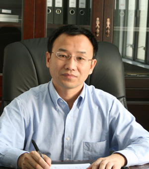 汕头大学医学院特聘教授张灏照片