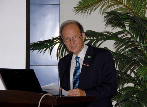 奥地利格拉茨医科大学 教授Gerhard Litscher照片