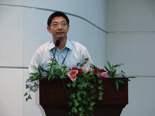 南京大学模式动物研究所 黄行许照片