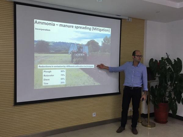 英国班戈大学可持续耕地利用系统系教授David Robert Chadwick照片