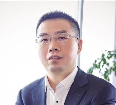 苏宁云商副总裁副总裁黄金老