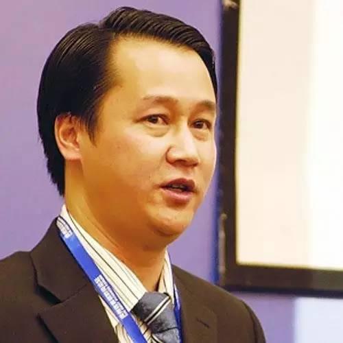 东方基易投资董事长易基刚照片